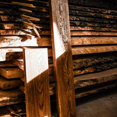 Półki z litego drewna