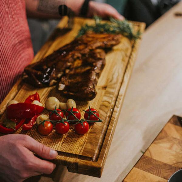 Deska do serwowania steków i kiełbas